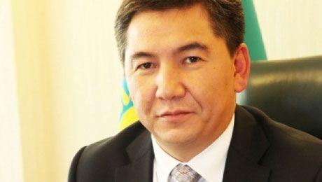 Саринжипов первый министр, кого Назарбаев официально принял после назначения правительства