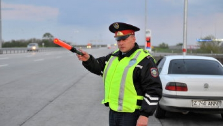 Полицейские будут проверять лишь наличие аптечки в автомобиле, а не ее состав - МВД РК