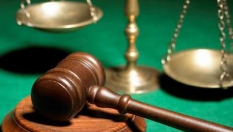 В Актау к 7 годам приговорили чиновника за подтасовку результатов тестов госслужащих