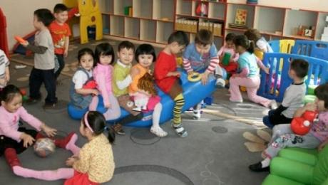 Президент запретил передавать государственные детсады и школы в частные руки
