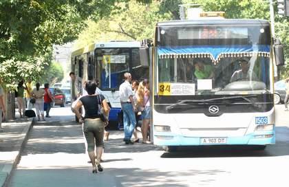 Водители автобусов продолжают рисковать нашими жизнями