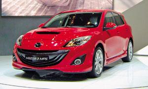 Mazda 3MPSобрела более агрессивный дизайн, аFIAT500(справа) сделали кабриолетом