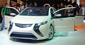 Opelставит электромобиль наконвейер
