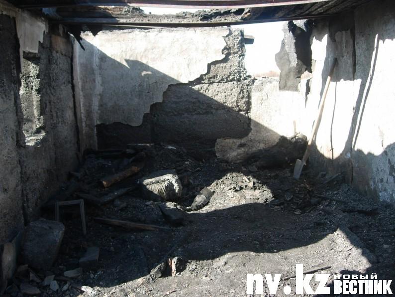 Двадцатилетний парень облил бензином и поджег собутыльников, оставив их умирать в дачном домике