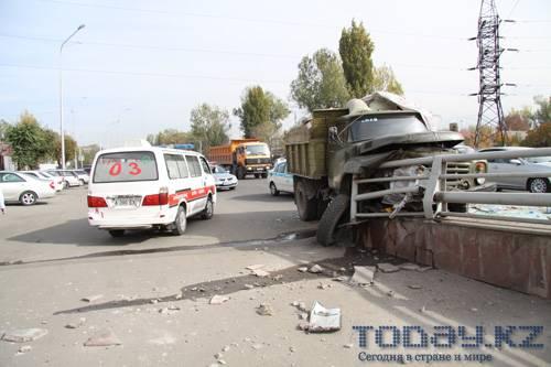 ДТП, чудом не ставшему трагедией, предшествовала остановка сердца у водителя ЗИЛа (фото)