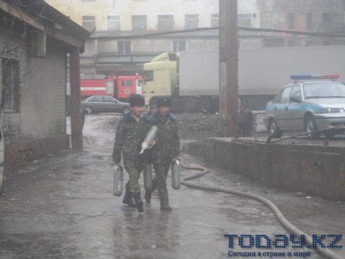 Пожар на алматинском мясокомбинате спровоцировал зверское избиение журналиста (фото)