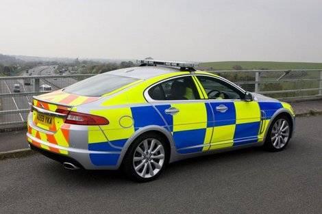Jaguar XF отправили патрулировать дороги Великобритании (фото)