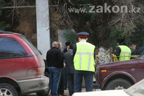 В Алматы в результате перестрелки погиб инкассатор (фото)