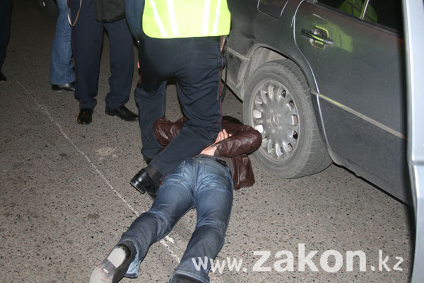 В Алматы сотрудники УБОП обезвредили похитителей школьницы (фото)