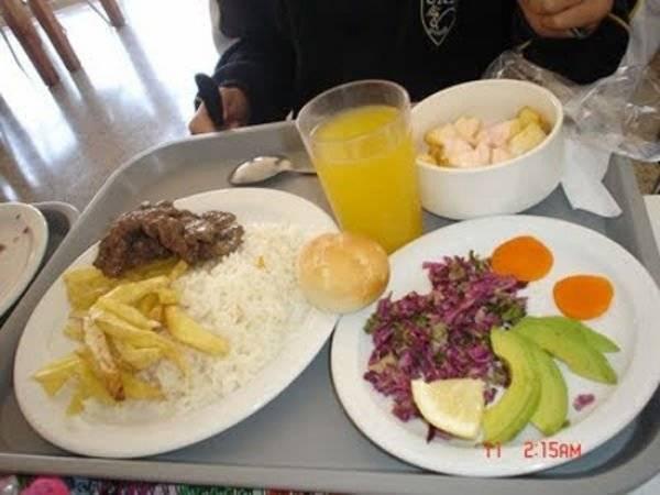Чем кормят детей в школах разных стран? (фото)