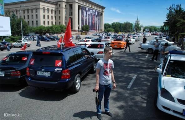 По Алматы прошла колонна из 250 автомобилей — участников 25 алматинских автоклубов (фото)