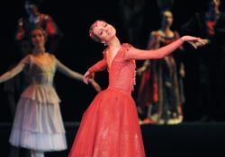 Алматинцы увидели легендарную Джульетту в исполнении звезды российского балета