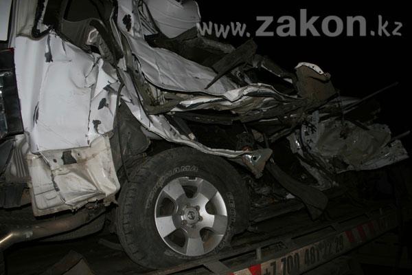 ДТП на капчагайской трассе. В результате столкновения рейсового автобуса и джипа погибли 4 человека (фото и видео сразу после столкновения)