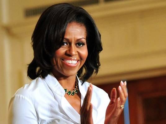 Мишель Обама в бейсболке и темных очках инкогнито побывала в супермаркете: посетители ее не узнали