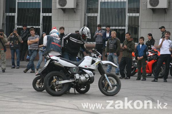 В субботу в Алматы прошло закрытие байк-сезона (фото)