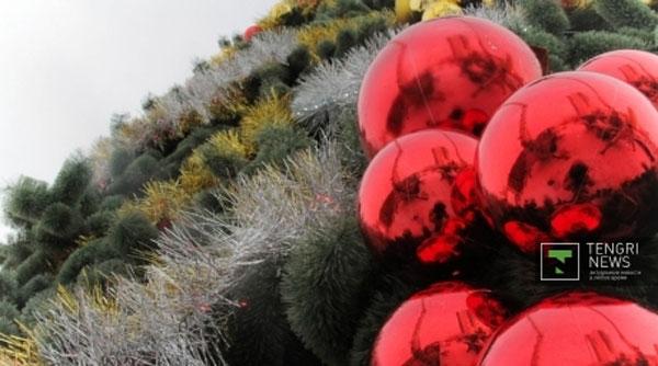 В Астане готовятся к зажжению огней на главной новогодней елке страны (фото)