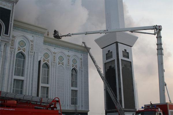 Пожар не причинил особого вреда мечети «Хазрет Султан»