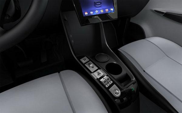Компания «Ё-Авто» показала интерьер серийной модели (фото)
