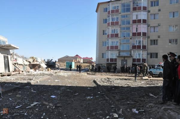 Обрушился аварийный дом в Караганде, построенный на средства дольщиков (фото)