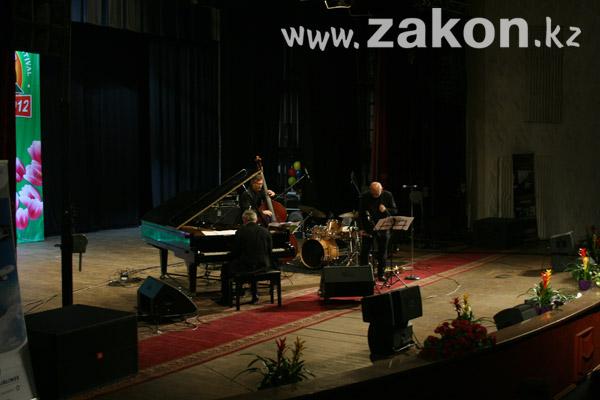 В Алматы открылся XI международный фестиваль джаза (фото)