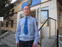 В Восточном Казахстане полицейский спас тонущего мальчика