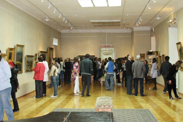 В ВКО Музей изобразительных искусств им. семьи Невзоровых провел акцию «Ночь в музее» (фото)