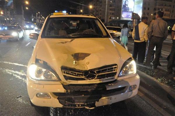 В Алматы на Аль-Фараби под колесами внедорожника погиб пешеход (фото)
