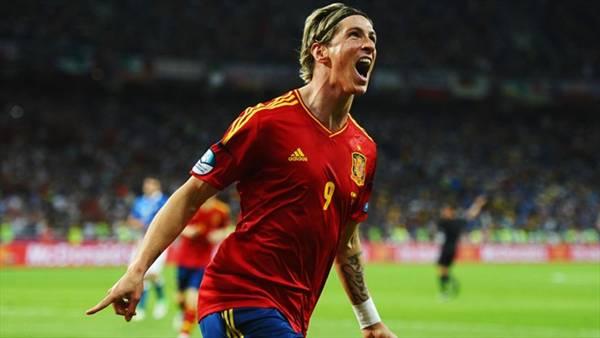 Сборная Испании выиграла Евро-2012, переписав историю (фото)