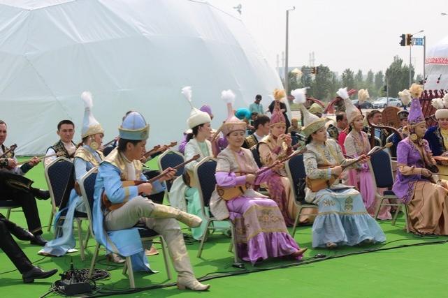 В центре Астаны открылся аул кочевников (фото)