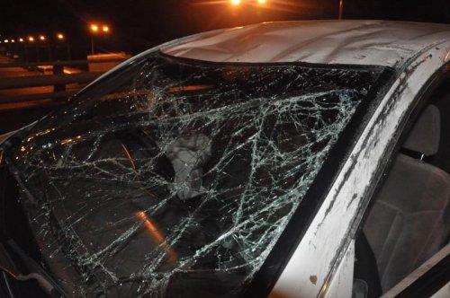 В Алматы на мосту перевернулась Toyota (ФОТО)