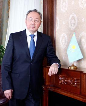 Высшие ценности - человек, его права и свободы (Бектас Бекназаров, председатель Верховного суда Республики Казахстан)