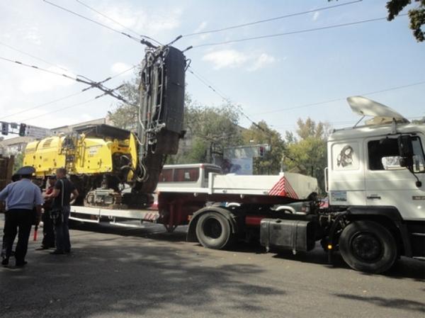 В Алматы из-за аварии остановились троллейбусы и трамваи (фото)