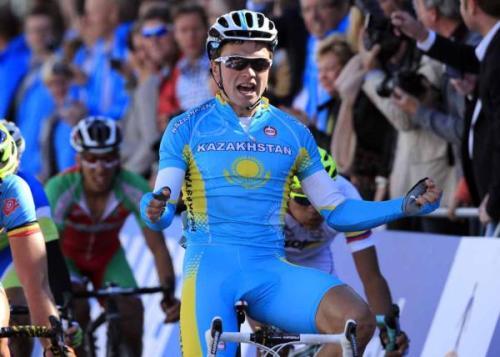 Казахстанский велогонщик Алексей Луценко стал чемпионом мира среди спортсменов до 23 лет
