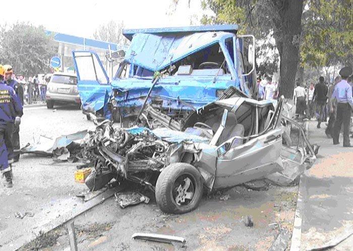 ДТП на восточной объездной дороге: китайский грузовик «снес» 13 машин, 2 человека погибли (фото)