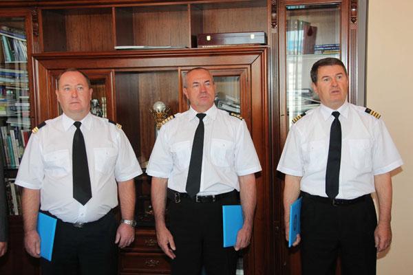 В Алматы наградили почетными грамотами пилотов, принявших участие в ликвидации пожара на горе «Мохнатка» (фото)