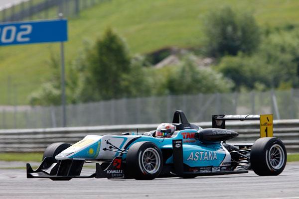Гонщик команды «Астана» стал чемпионом «Формулы 3»