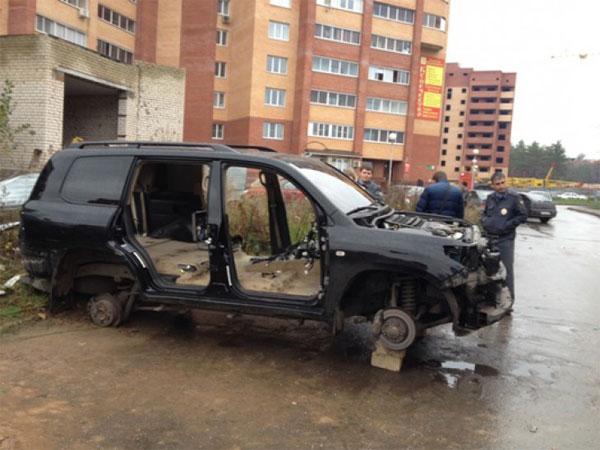 В Тольятти припаркованный Land Cruiser разобрали за одну ночь