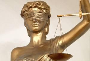Осужденные экс-судьи ВС Джакишев и Ташенова оставлены под арестом