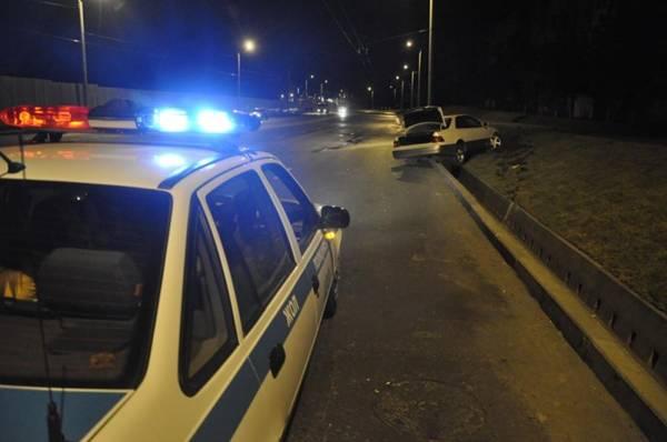 В Алматы по подозрению в угоне и совершении ДТП задержали 18-летнего парня (фото)