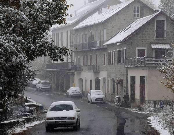 Тысячи французов лишились электричества (фото)