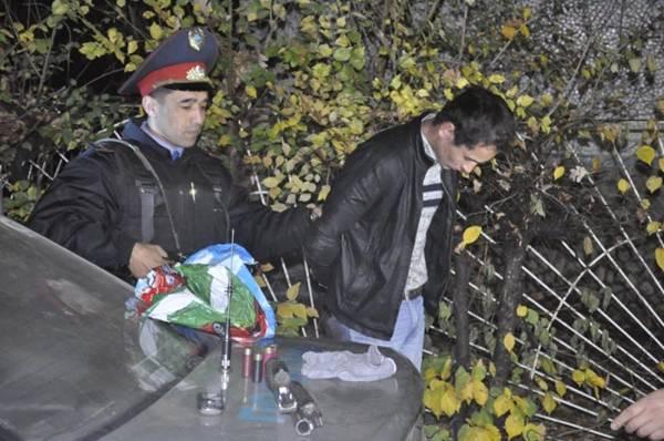 Рецидивист с обрезом задержан в Алматы (фото)