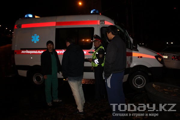 В Алматы в ДТП с участием такси пострадали трое (фото)