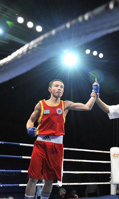 Казахстанские спортсмены взяли 5 призовых мест на Кубке мира по боксу (фото)