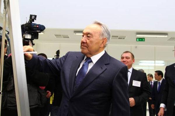Н.Назарбаев открыл в Астане завод по производству фотоэлектрических модулей (фото)