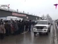 В Алматы торговцы «барахолки» отказываются использовать кассовые аппараты