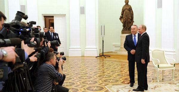 Назарбаев провел встречу с Путиным