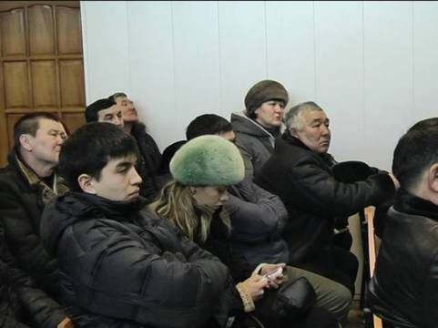 К двум годам приговорили темиртауских полицейских, обвиняемых в пытках (фото)