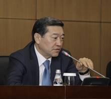 """В Казахстане необходимо принять новый закон """"О профессиональных союзах"""" - С.Ахметов"""