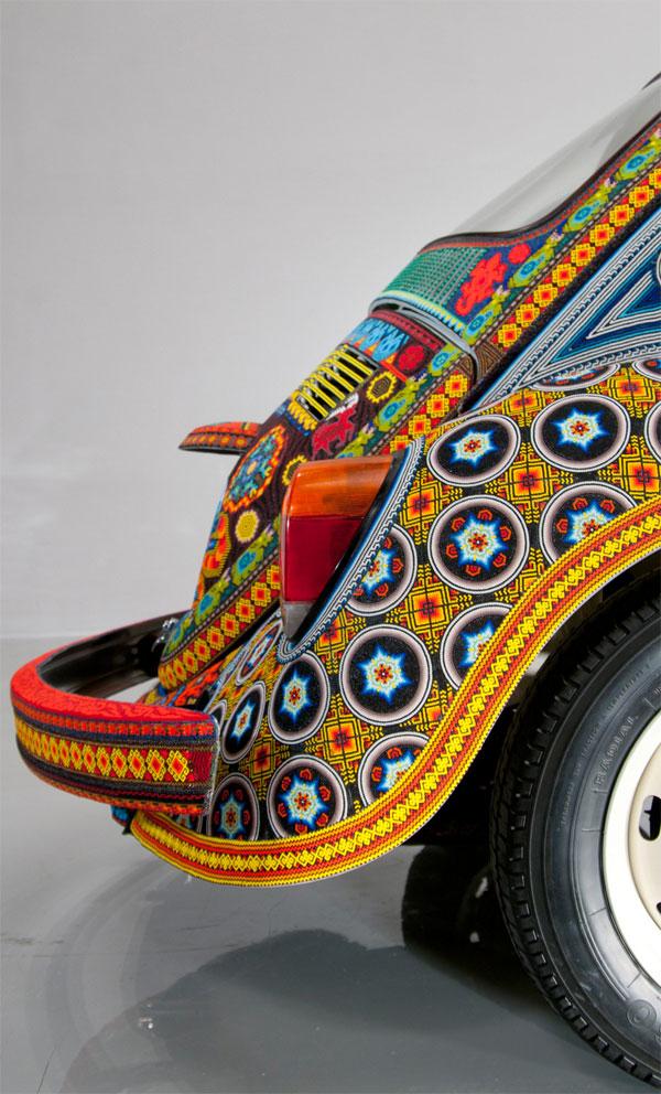 Единственный в своем роде автомобиль, покрытый бисером