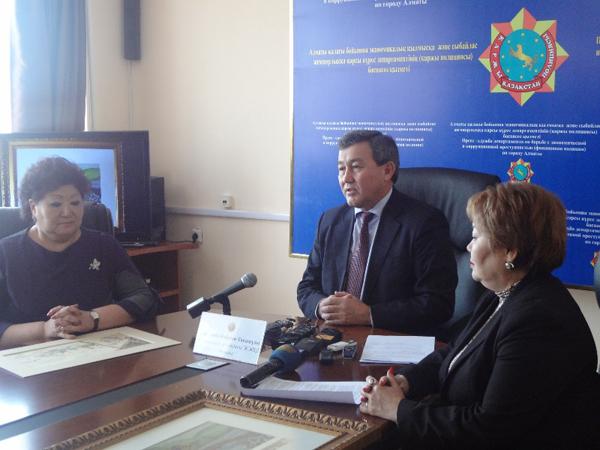 Финансовая полиция Алматы нашла часть украденных картин А.Кастеева